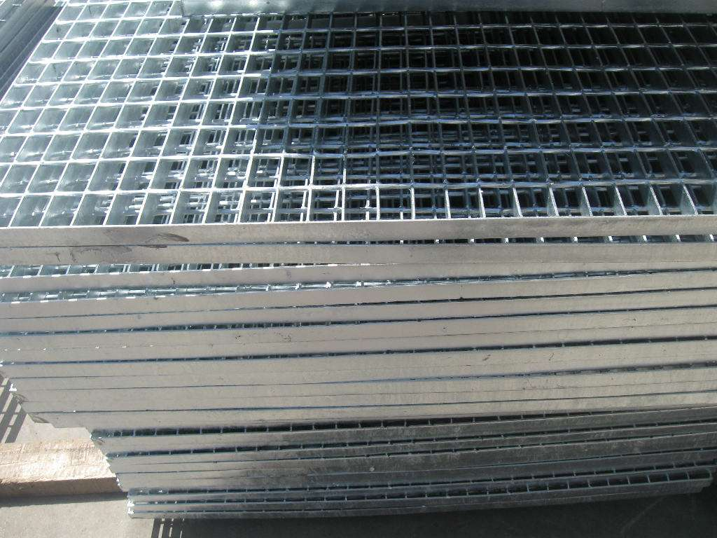 熱鍍鋅防腐鋼格柵板介紹