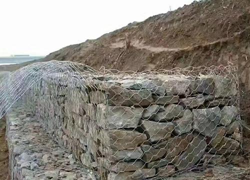 楚雄防护网厂家带大家了解一下不同种类的石笼网都有什么区别?