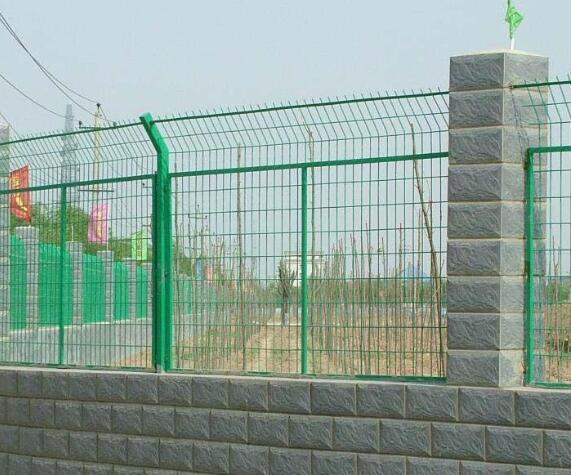 護欄網的安裝方法和產品特點
