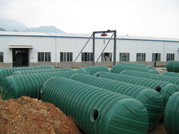 環保化糞池設備具備的特點與運輸注意事項