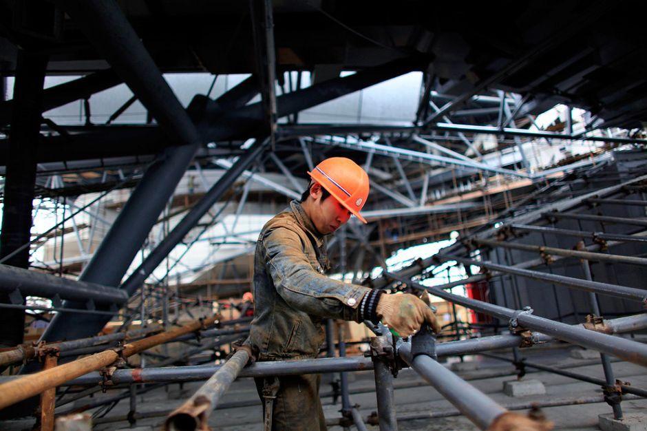 工业油漆施工出现跑油现象的原因