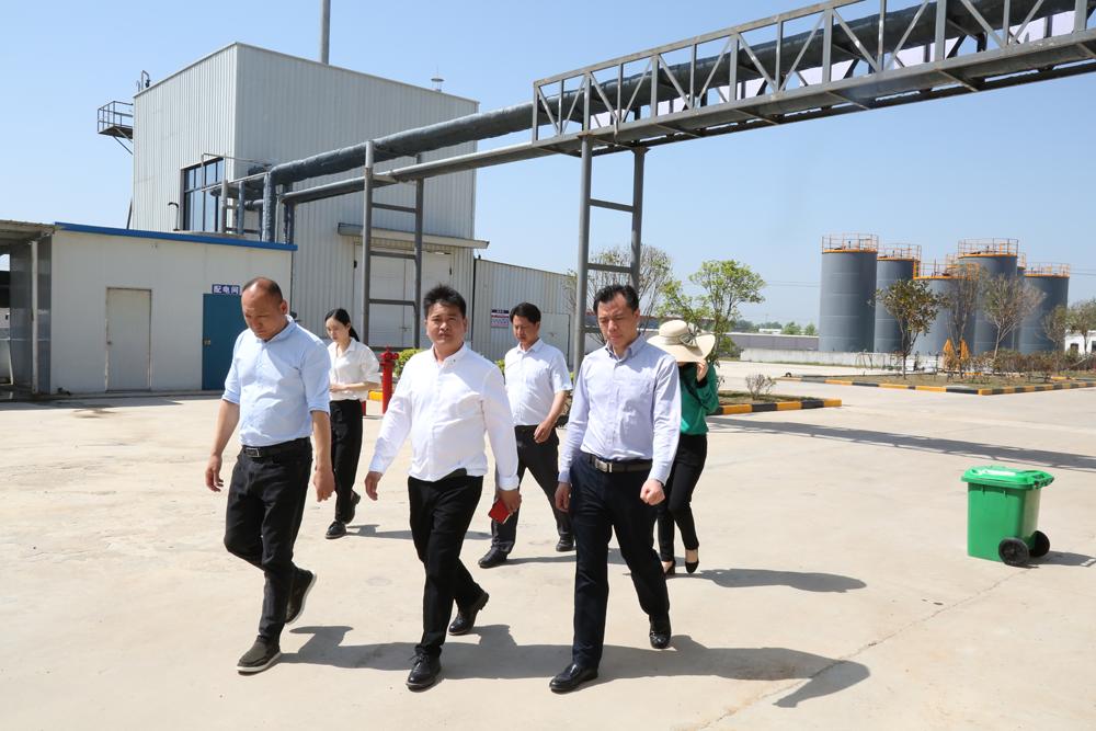 武漢環氧地坪漆廠家告訴您環氧地坪地面潮濕的處理方法
