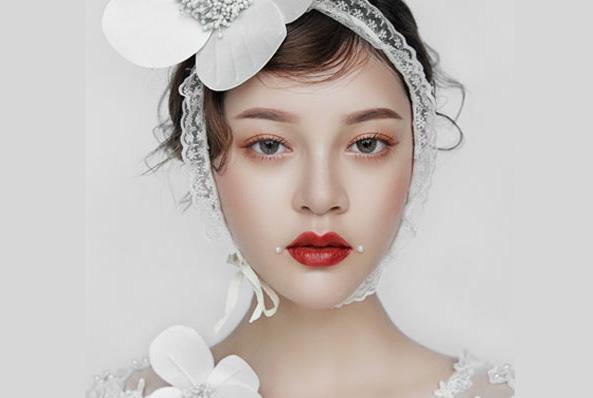 化妆初彩班(就业类)