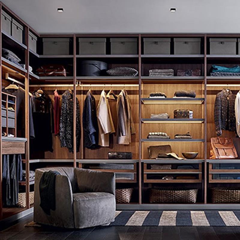 定制衣柜怎样选择?云南易友家居承实用价值塑设计质感