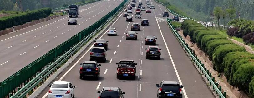 公路治超信息中心的电子监控方案很多,系统也简单