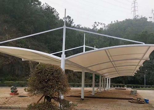 膜结构雨棚设计为何深受大众的欢迎?