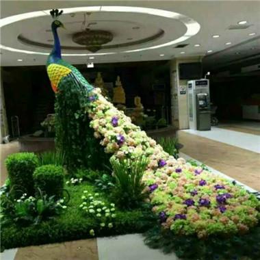 植物雕塑孔雀