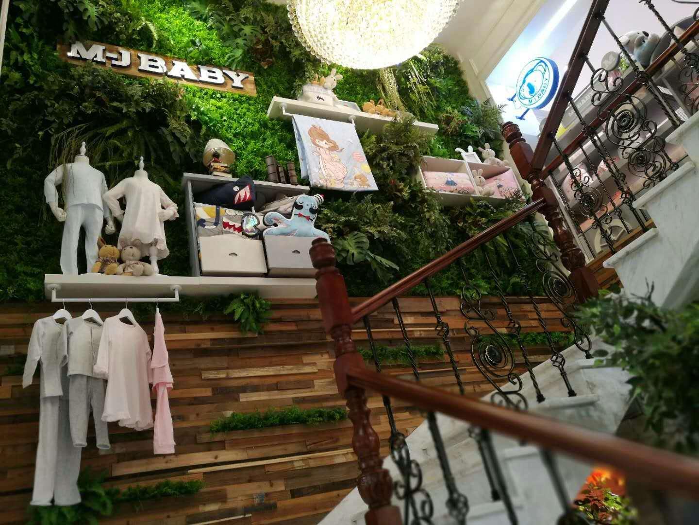 绿植墙楼梯