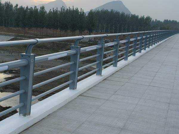 不銹鋼護欄的安裝流程是什么