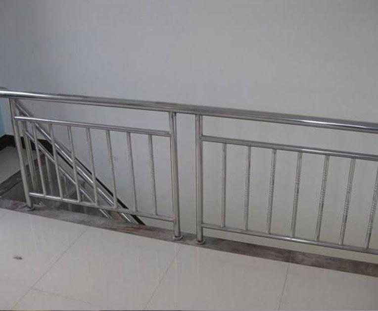 不锈钢护栏扶手容易清洁吗?怎样进行清洁保养?