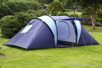 户外露营时如何选择露营帐篷?