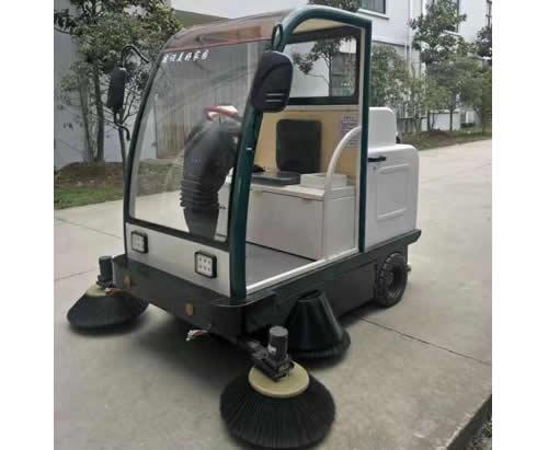 电动扫地车(带棚)