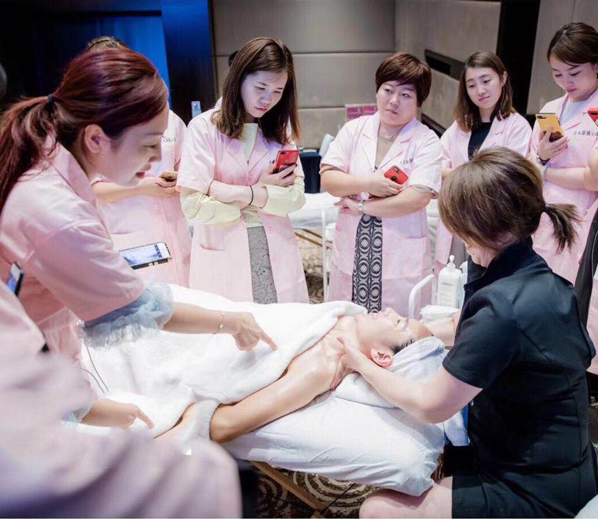 是一家专业从事昆明皮肤管理,昆明皮肤管理培训,云南皮肤管理培训中心