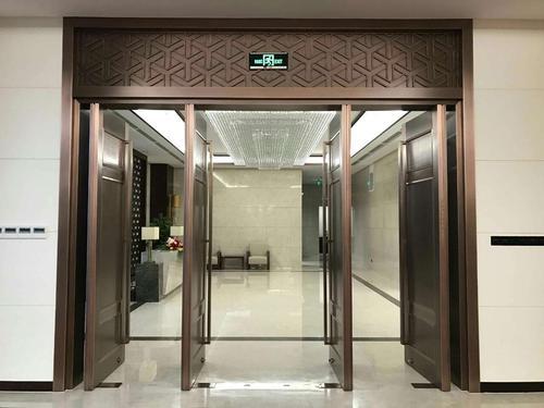 铸铝门与铜铝门相比究竟有何优势?