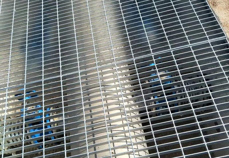 管道保護鋼格板平臺應用