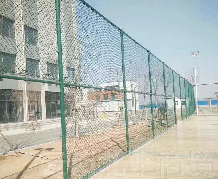 普洱体育场护栏网施工