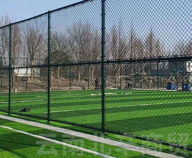 昆明体育场护栏网施工安装