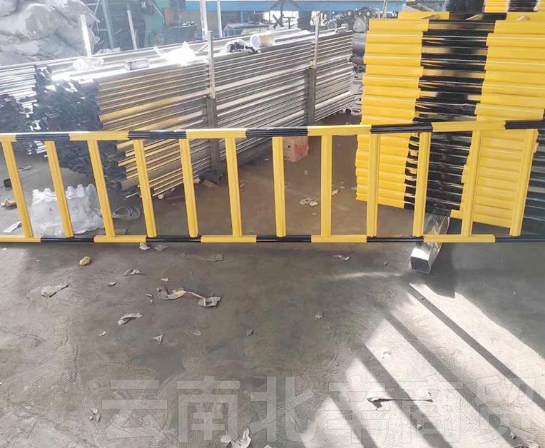 市政道路隔离护栏网厂家