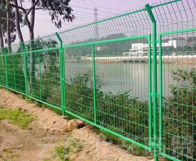 昆明养殖场围墙围栏网批发商