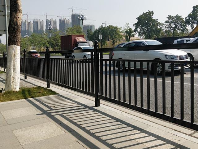 丽江市政铸铁护栏网