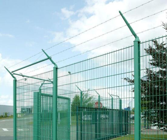 【双边护栏网】 双边护栏网的特点、规格、安装、常见问题