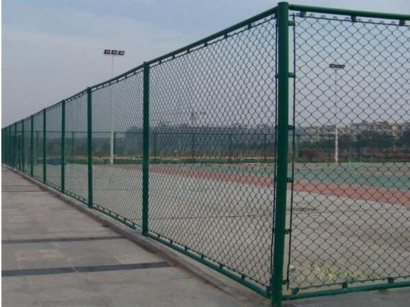 护栏网,球场护栏网型号规格及防腐保养
