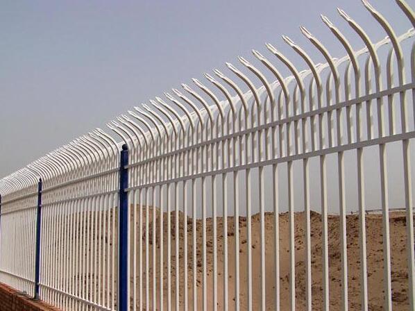 锌钢护栏网的质量是如何决定的?
