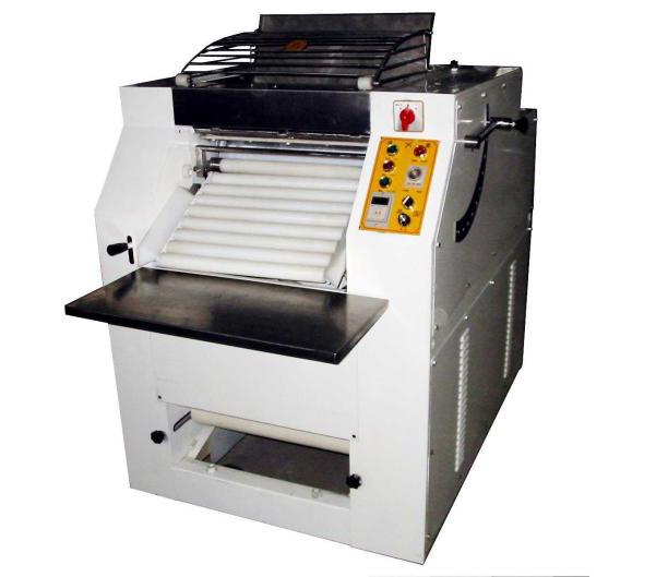 厨房压面机设备