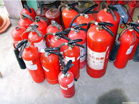 着火时,普洱消防器材厂家教你如何用这些消防器材救命?