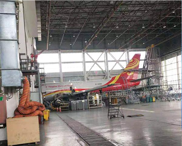 大型喷漆房喷涂飞机案例