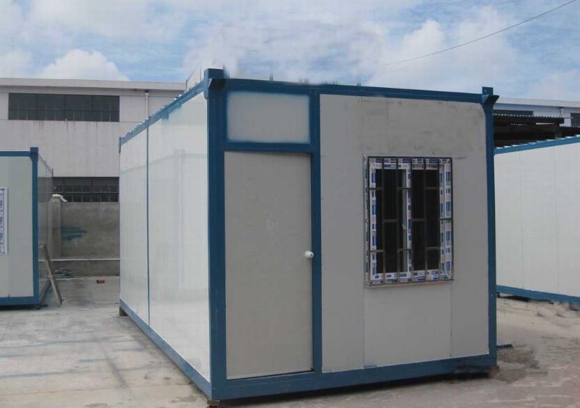 住人集装箱房屋的安装方法