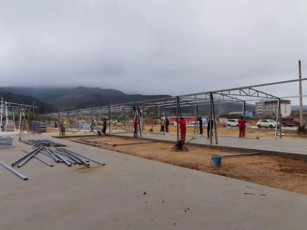 云南孟连县勐阿应急留观点活动房项目搭建施工现场