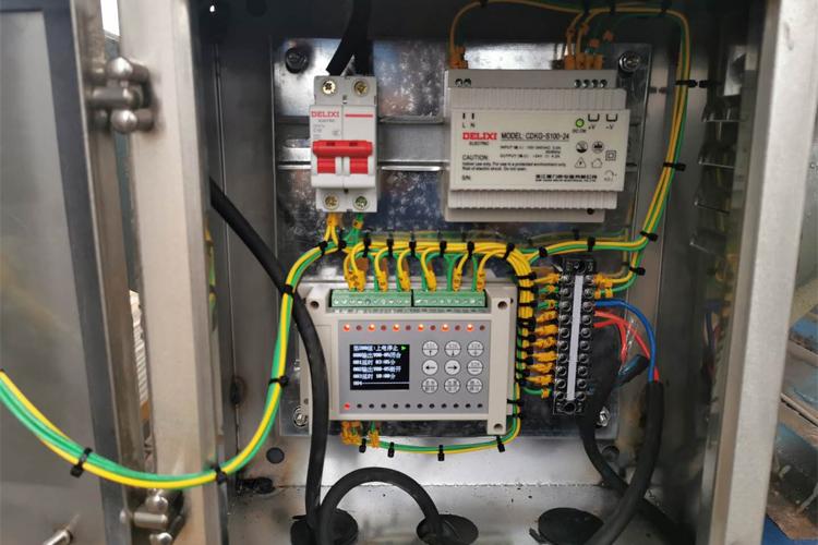 安装磁力声能清灰器