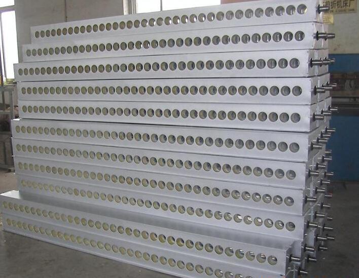 太陽能聯集器拉絲麵板