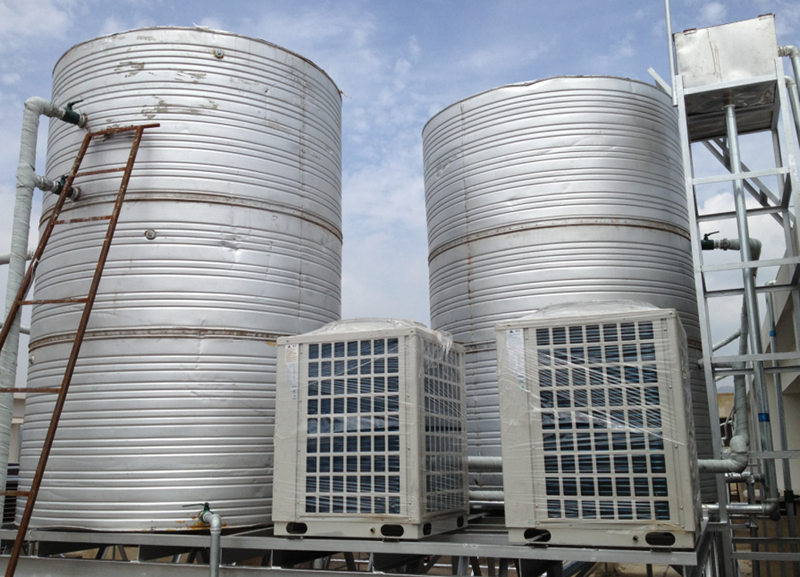 佳联达大酒店真空管太阳能加热泵热水系统安装安装案例