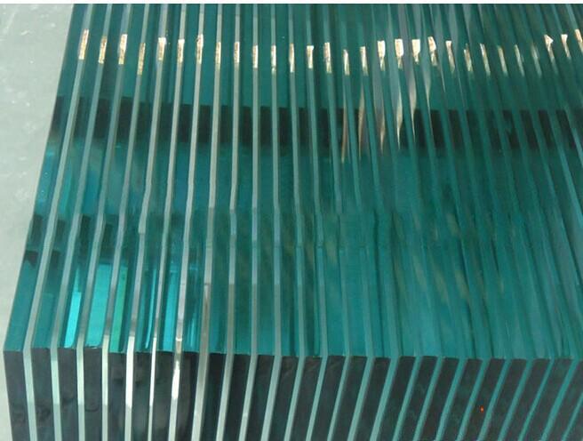 玻璃本身质量问题是造成钢化玻璃破损的主要原因