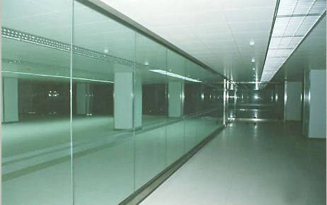 如何快速鑒別鋼化玻璃是自爆還是外力破壞