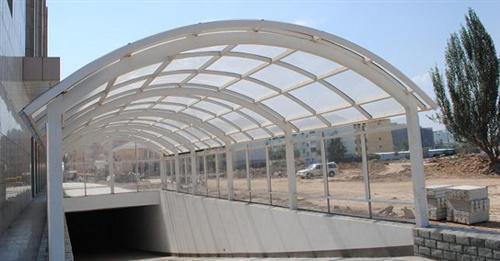 云南钢化玻璃厂家
