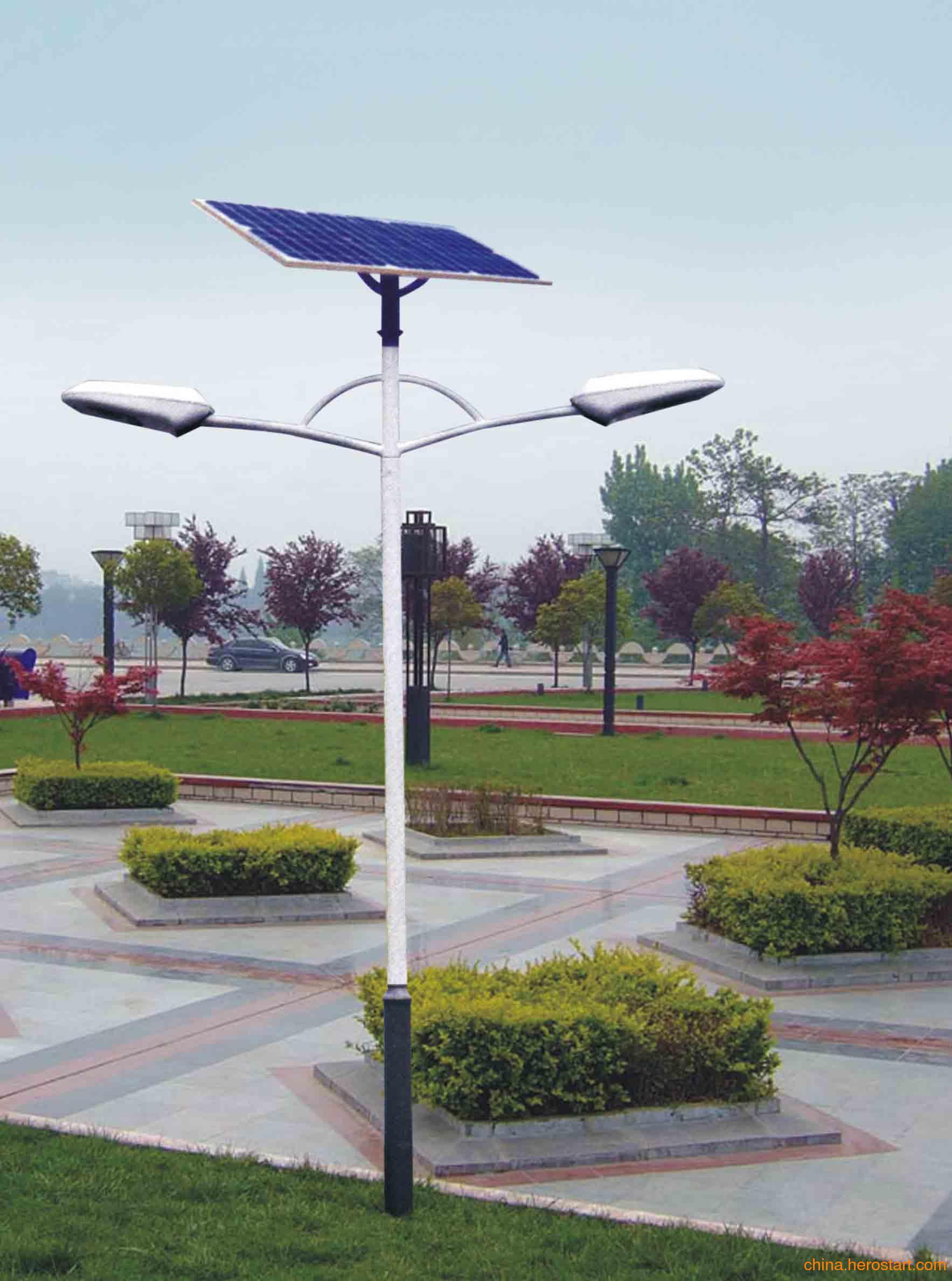 昆明太阳能路灯图片