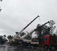 80吨和110吨玉溪市易门县事故车施救