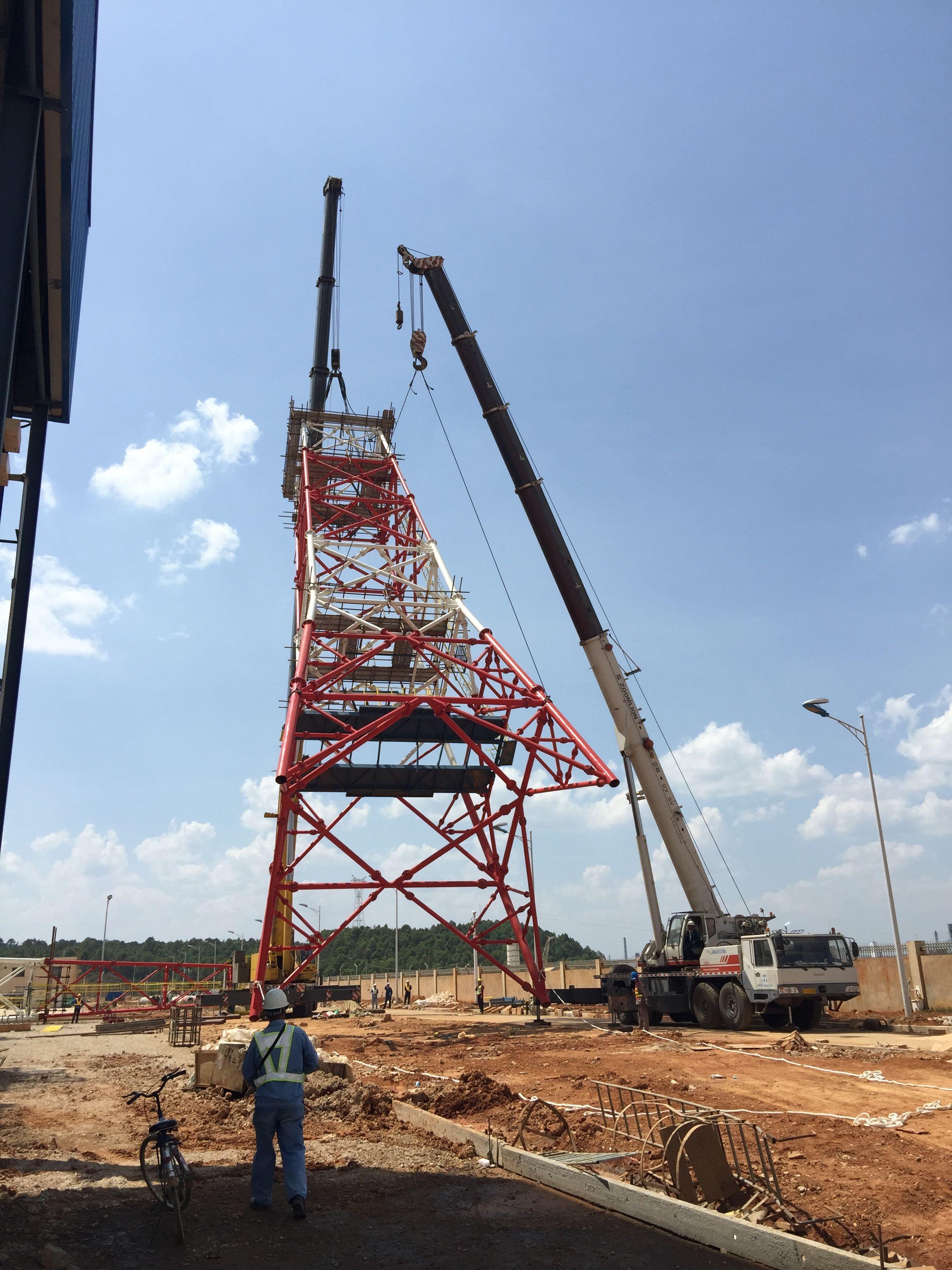 80吨和300吨中石油炼油厂烟囱吊装