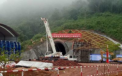 老挝50T中老铁路建设工地