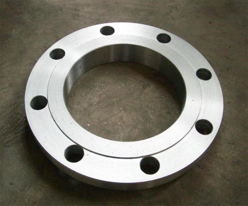 哪些因素会影响平焊法兰盘的性能?