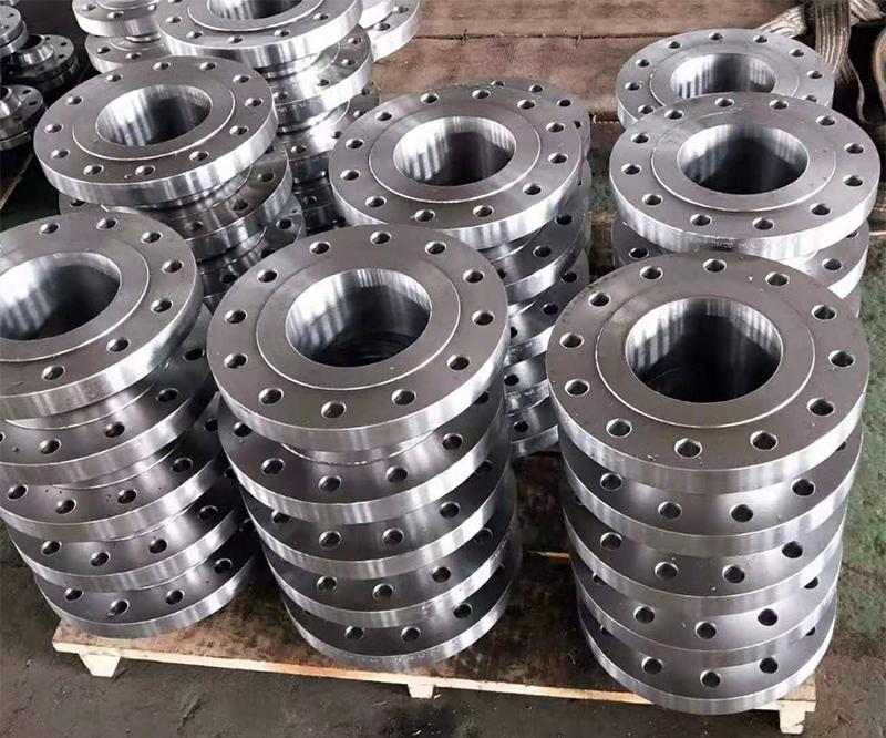 昆明专业定制平焊法兰厂家在定制法兰时的注意事项