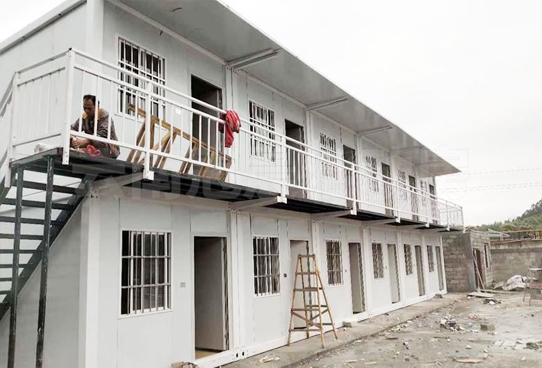 昆明机场货运中心临时指挥部活动房安装