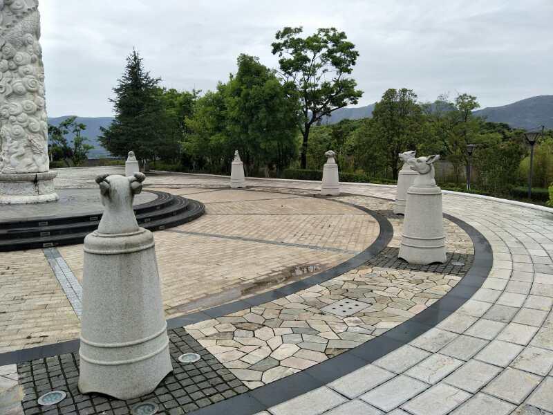 昆明青龙山陵园2