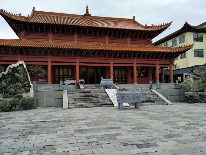 昆明青龙山陵园4
