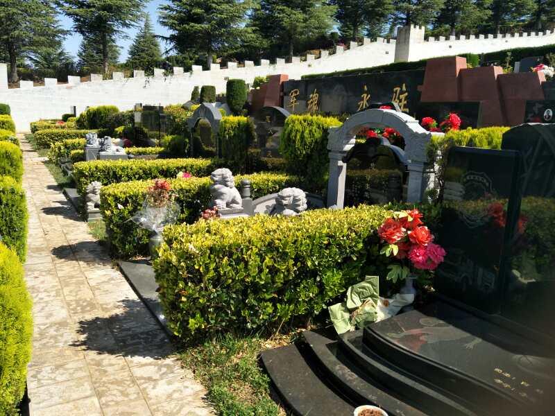 昆明公墓园中风水宝地的选择策略