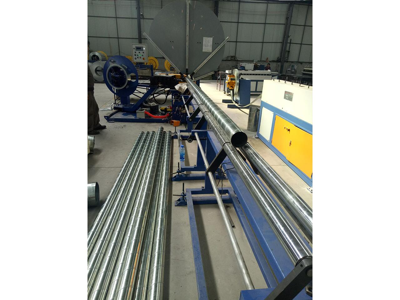 铝板螺旋风管-现场加工6