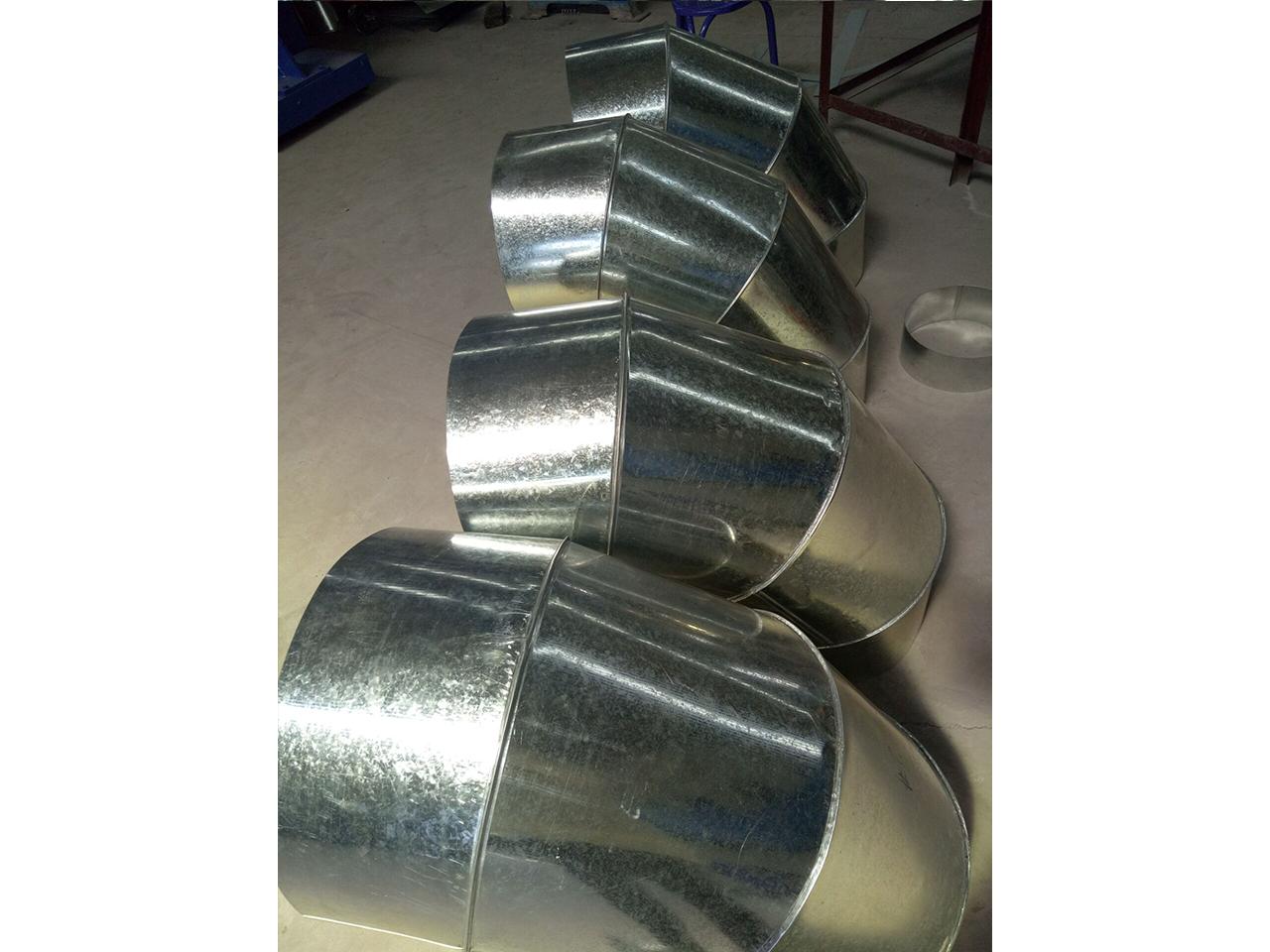 铝板螺旋风管-现场加工10